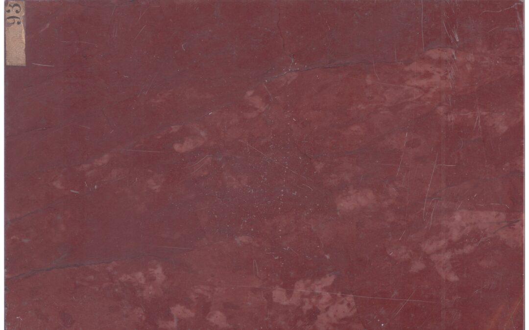 Calcare rosso proveniente dal Monte Velino
